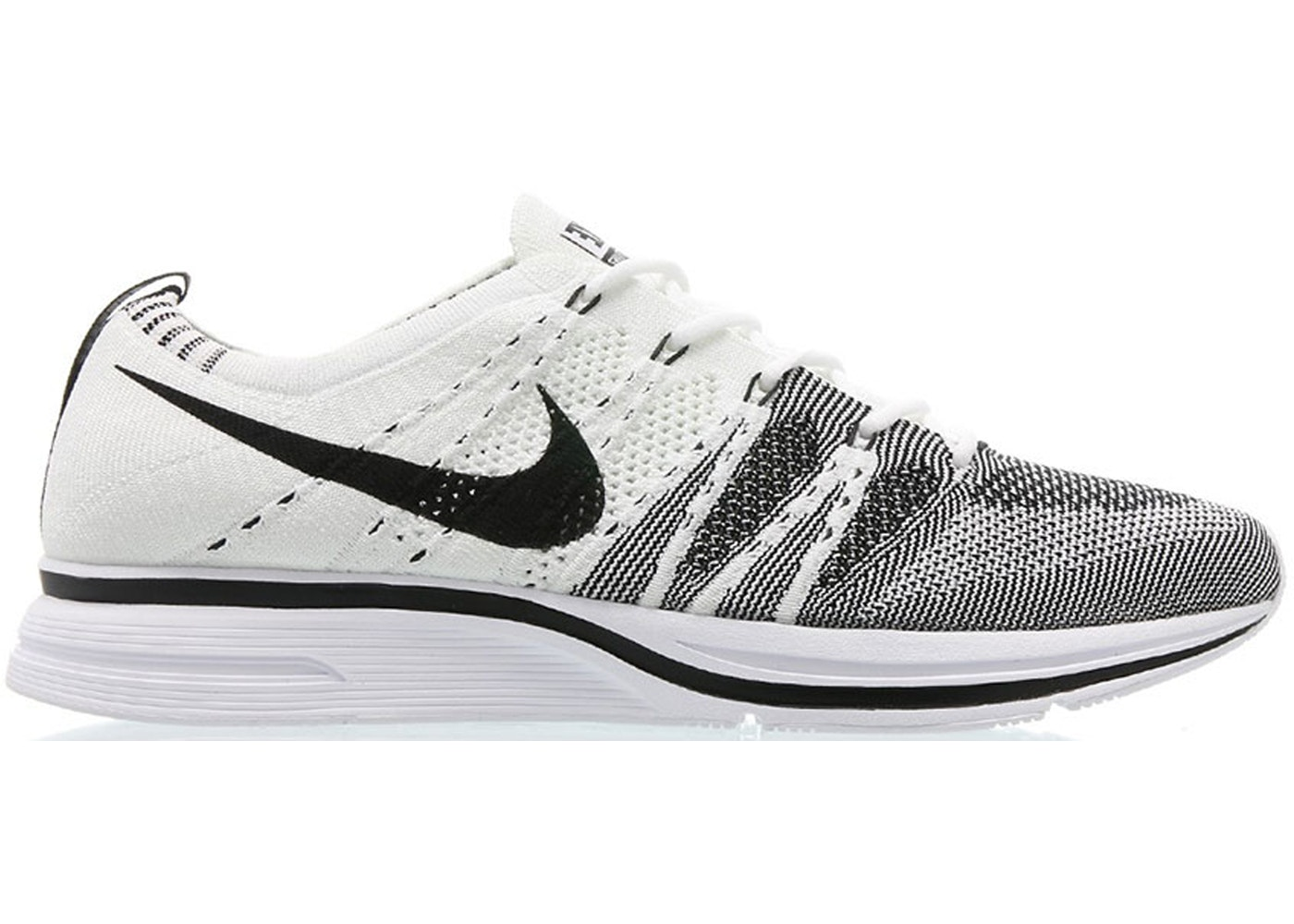 nike flyknit trainers white
